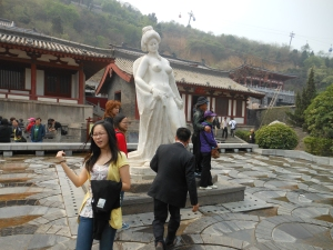 This is a statue of his fav.concubine Yang.  It was very hard to get a photo with no one in.  A family even took a photo in front of it.... with kids....